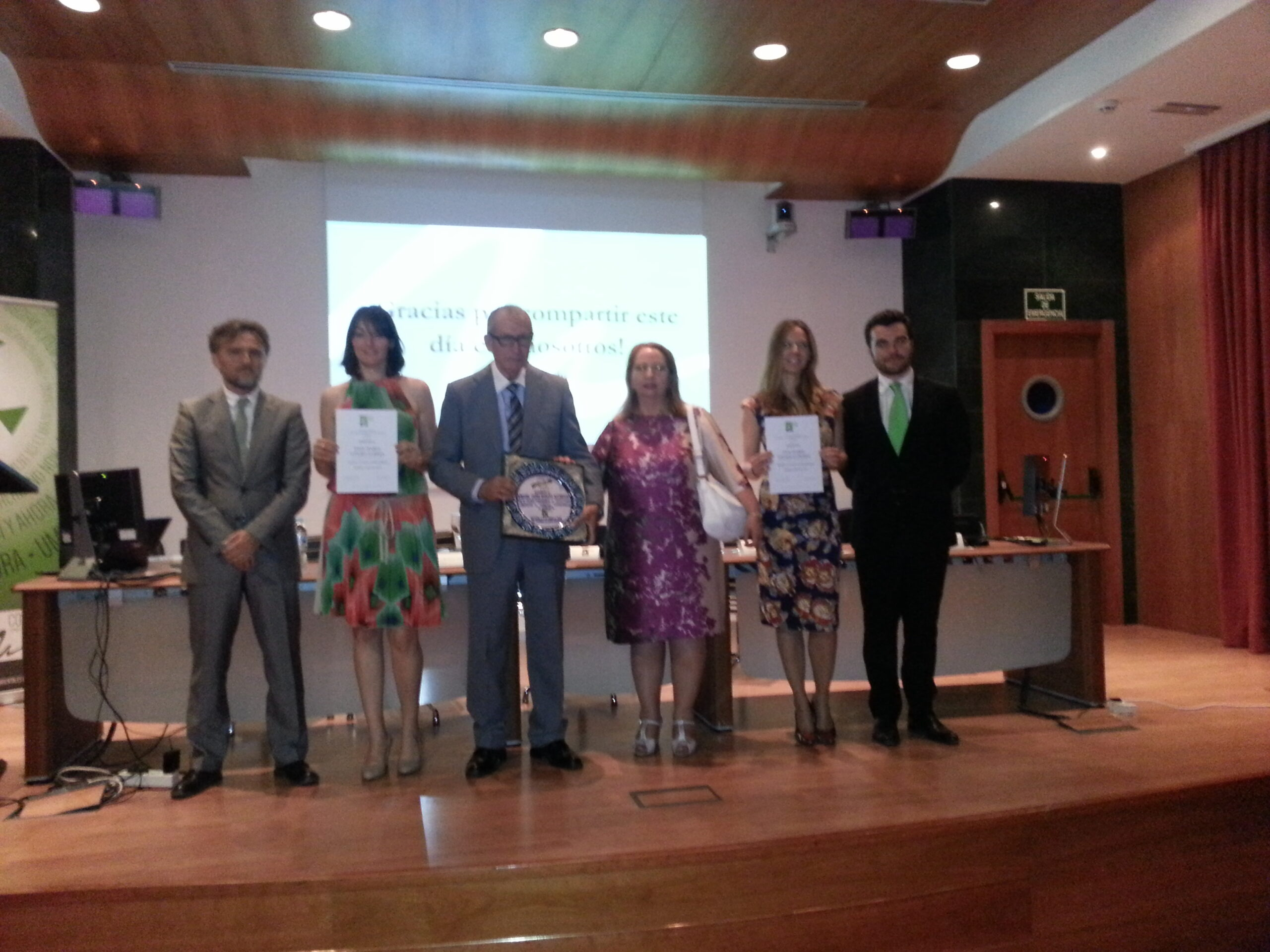 Premiado y finalistas Ambientólogo Andaluz Año 2015 junto con Consejero de Medio Ambiente y Ordenación del Territorio, D. José Fiscal, y Presidente de COAMBA, Manuel Barrera Viera